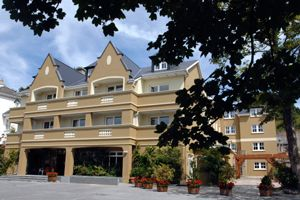 Earls Court House Hotel